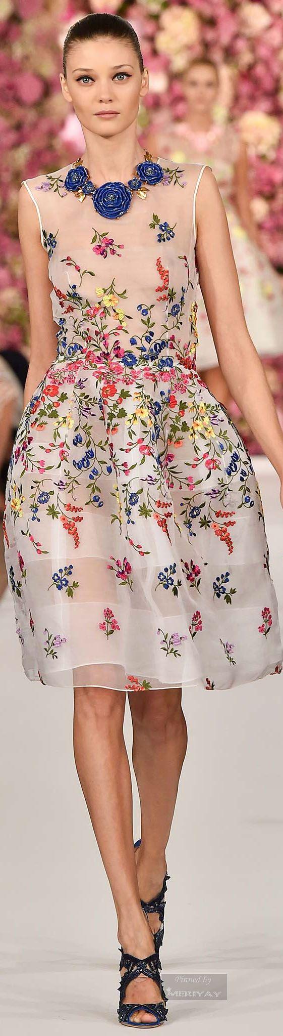 Oscar de la Renta.Spring 2015. impara anche tu! scuola di ricamo alta moda propone corso di creazioni di fiori in seta per la moda