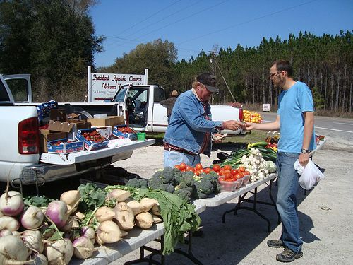 Market on the side of the road, Florida www.thejohnsonway.com