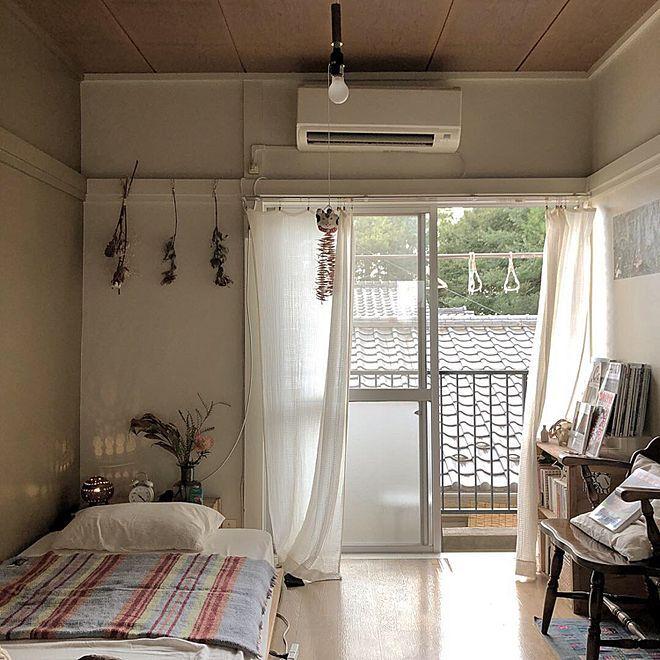 部屋全体 本棚 賃貸 間接照明 ひとり暮らし などのインテリア実例 2018 12 28 05 49 10 Roomclip ルームクリップ 寝室 レイアウト 6畳 インテリア 一人暮らし レイアウト 和室 インテリア 一人暮らし