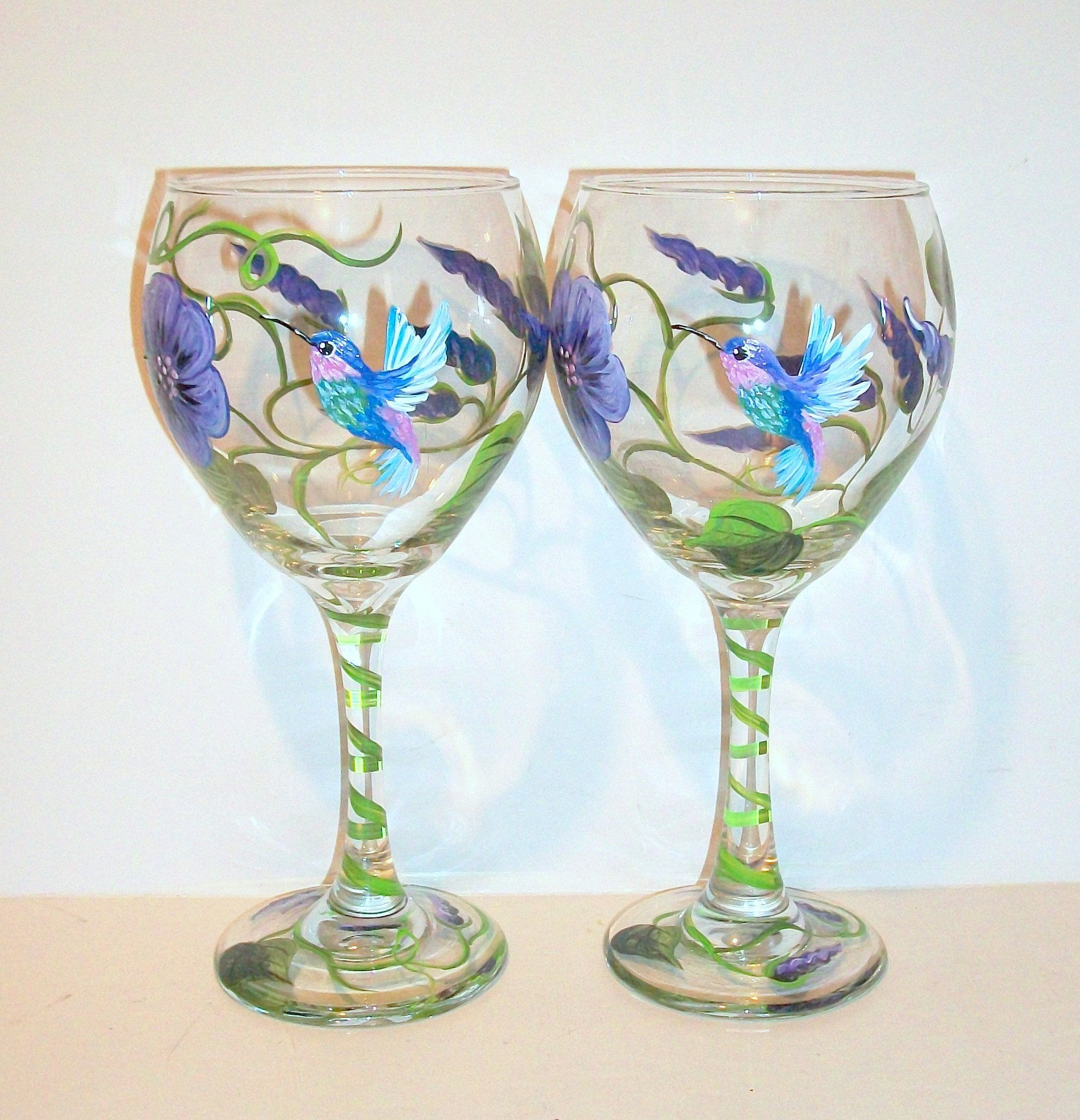 Hummingbirds And Morning Glory Vine Hand Painted Wine Glasses Etsy Painted Wine Glasses Hand Painted Wine Glasses Wine Glasses