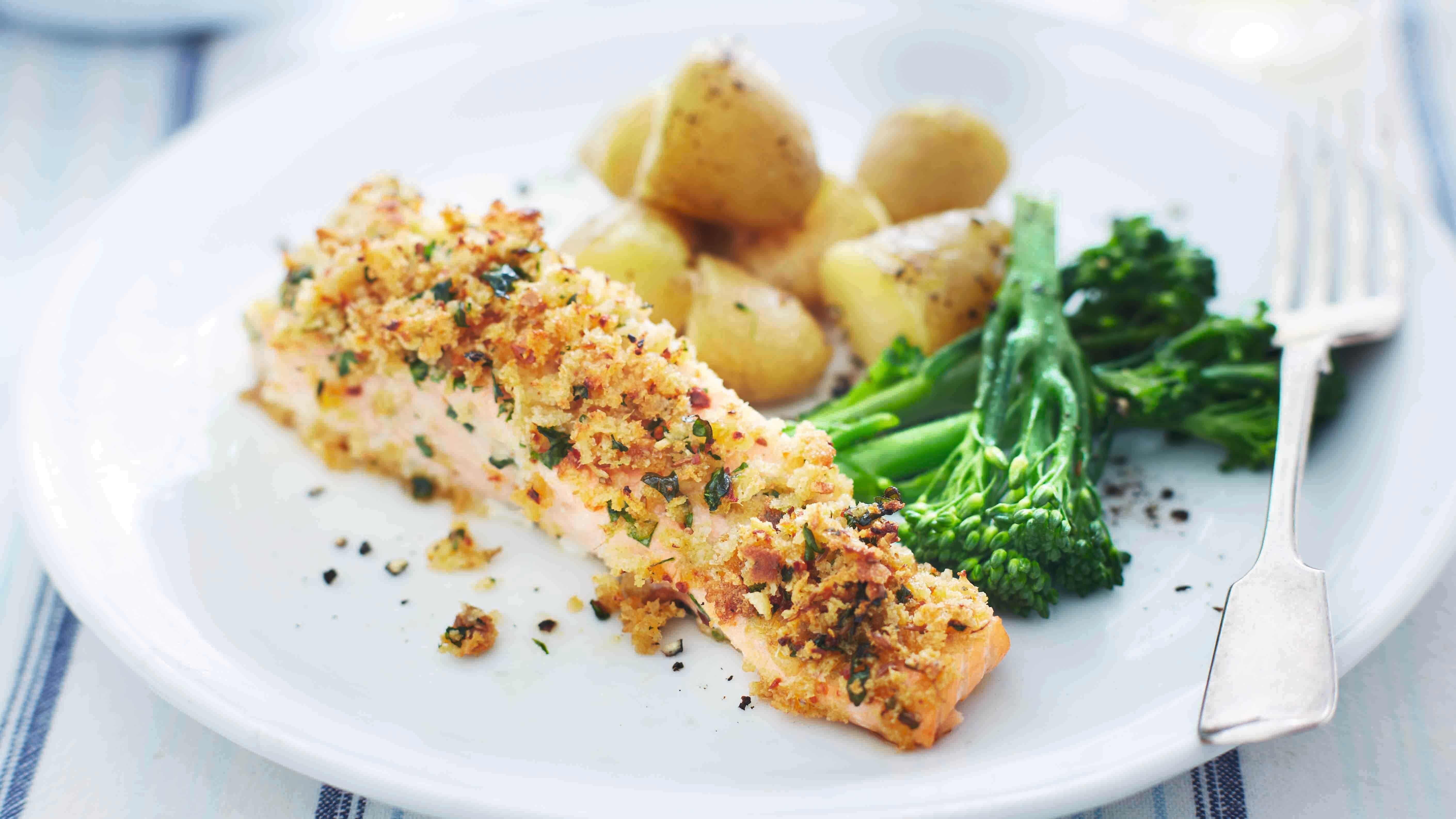 Grilled salmon with spicy breadcrumb crust recipe