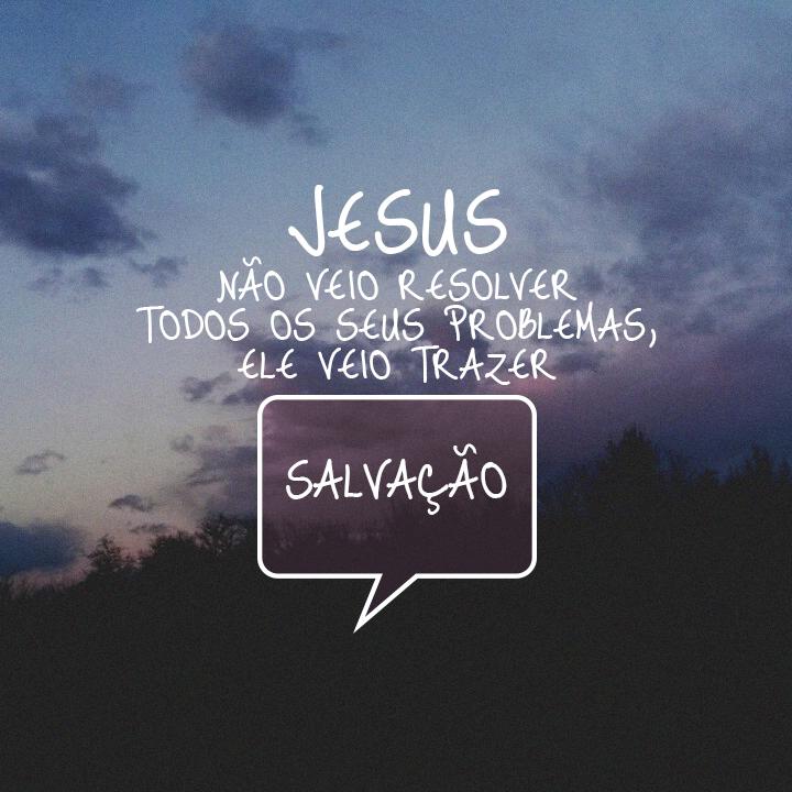 """""""No dia seguinte, João viu Jesus aproximando-se e disse: """"Vejam! É o Cordeiro de Deus, que tira o pecado do mundo!""""  - João 1:29 #Deus #Jesus #salvação #solução #paz #fé #cristo"""