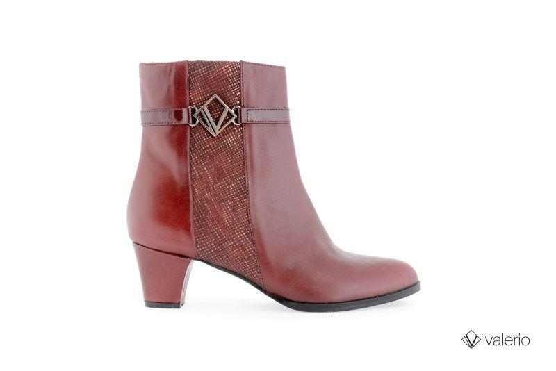 110-192 Milano rubi, rafia br opaco rojo, charol burdeos. Taco 4 1/2 forrado. #valerio #calzado #zapatos #moda #Clásico #invierno #2014 #shoes #outfit #woman #fashion #winter #fall #autumn