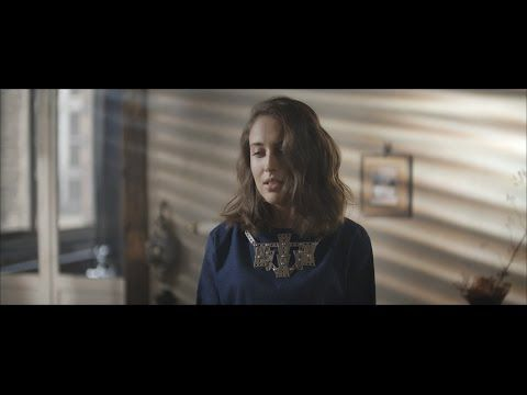 Alice Merton - No Roots (Official Video) - YouTube