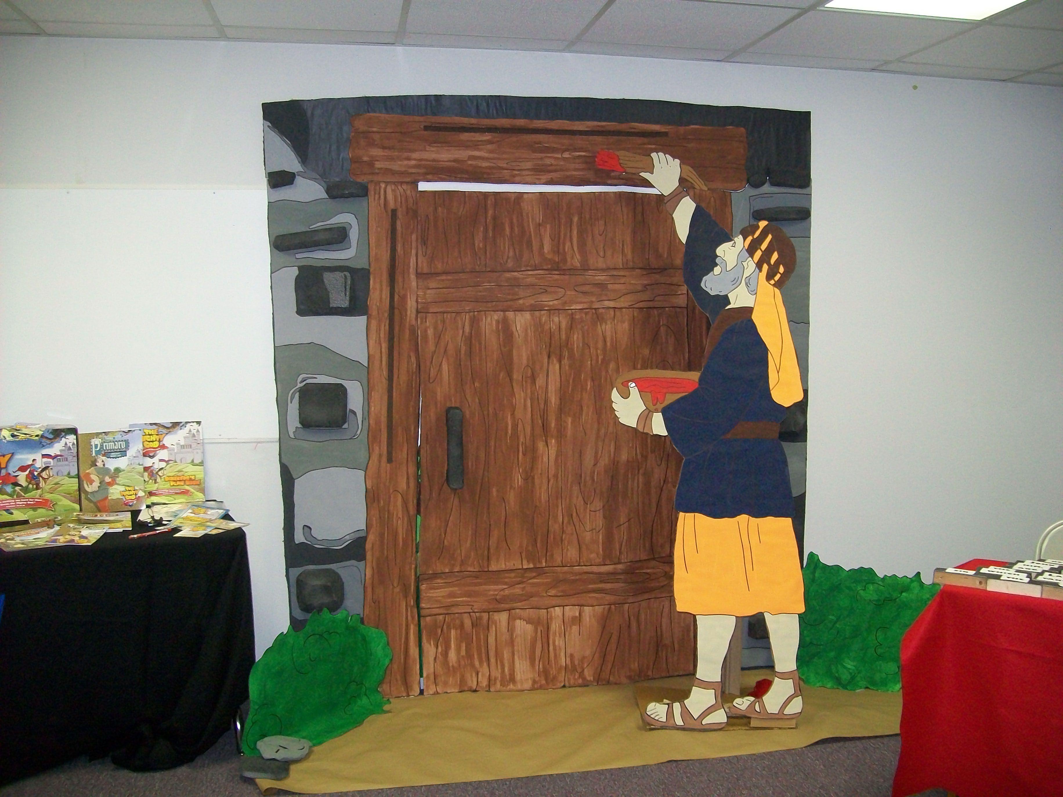 Passover door bible vbs ideas pinterest sunday school for Passover crafts for sunday school