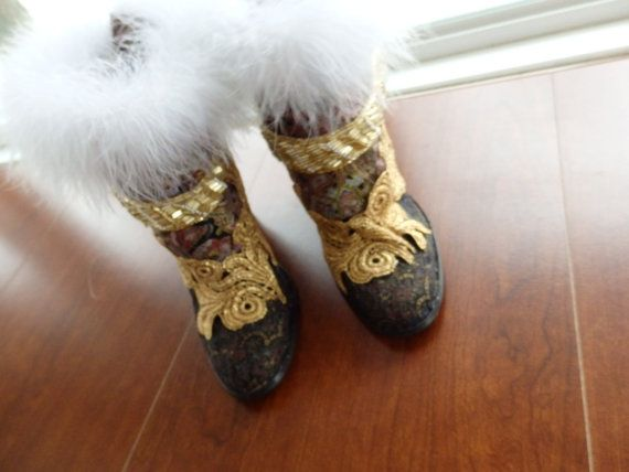 mukluks Indian boots ethnic boots indigenous boots by ScarfFX