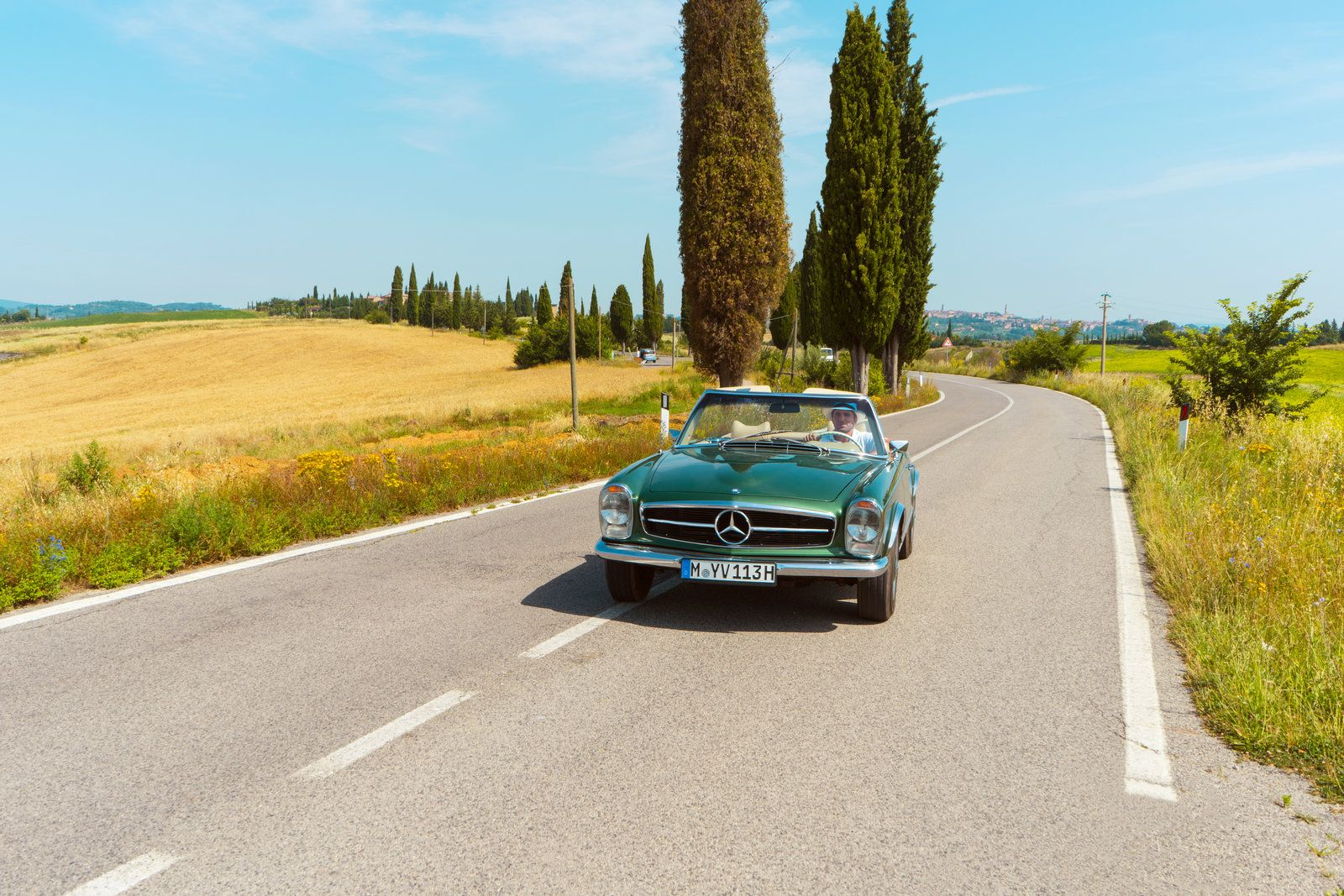 Mercedes-Benz W113 | Nostalgic Classic Car Travel