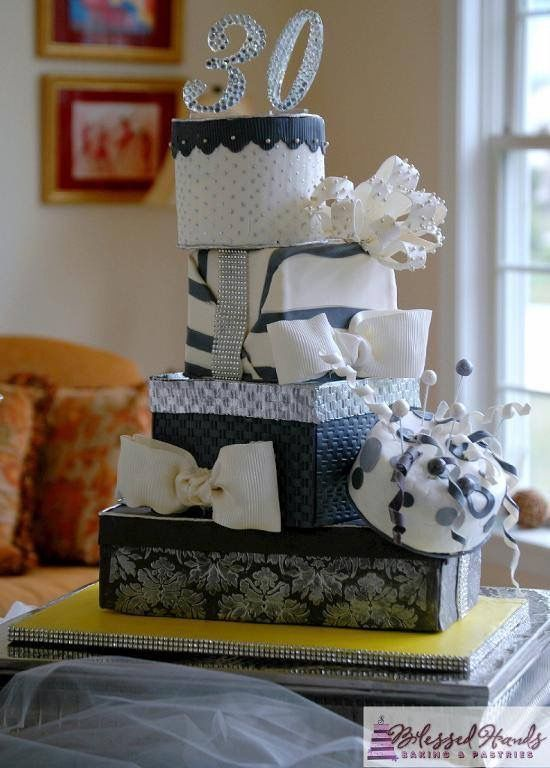 Cake Box Decorating Ideas Pinpat Hurbean On Cups  Cakes  Pinterest  Heart Cakes