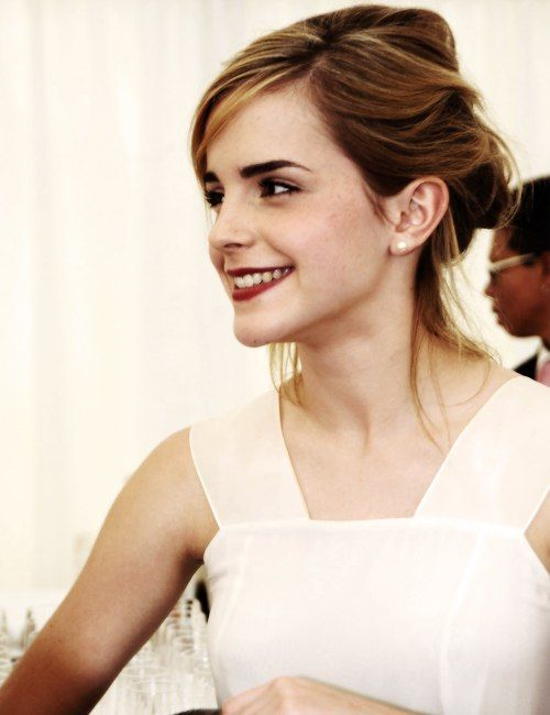 954a1609e5c Emma Watson she has such a pretty smile. looking at pics of her is not  helping my self esteem.
