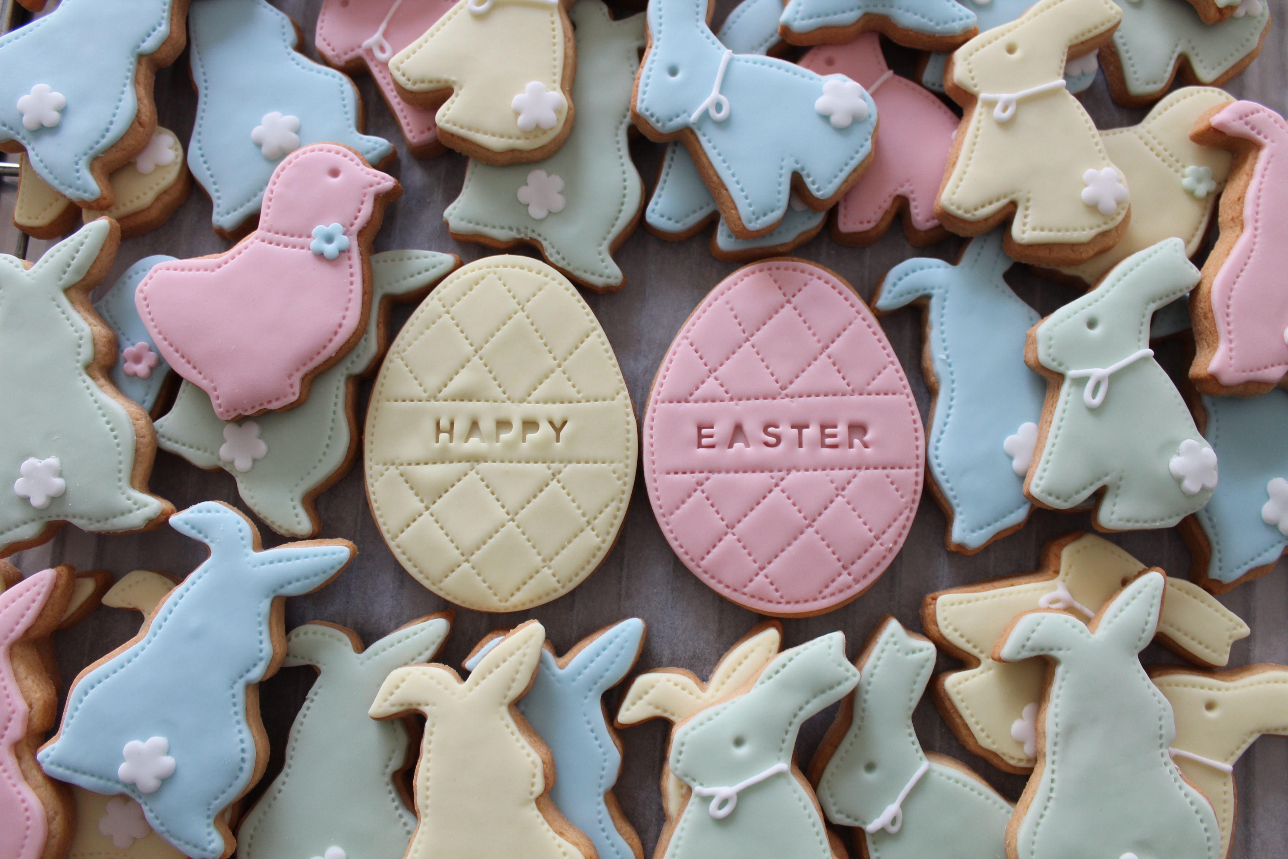 Easter biscuits by Nila Holden perfect for Easter Egg Hunts, Easter parties or styling your home for Easter Weekend