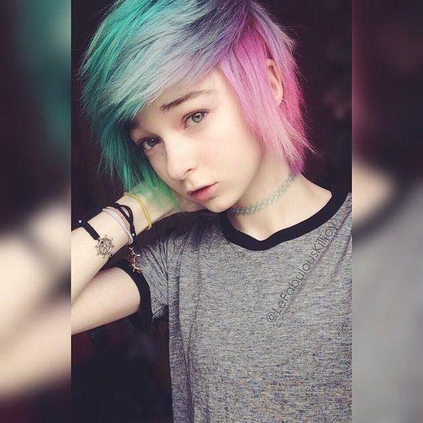 Haar Teen Kurzes Lesbian 500+ Short
