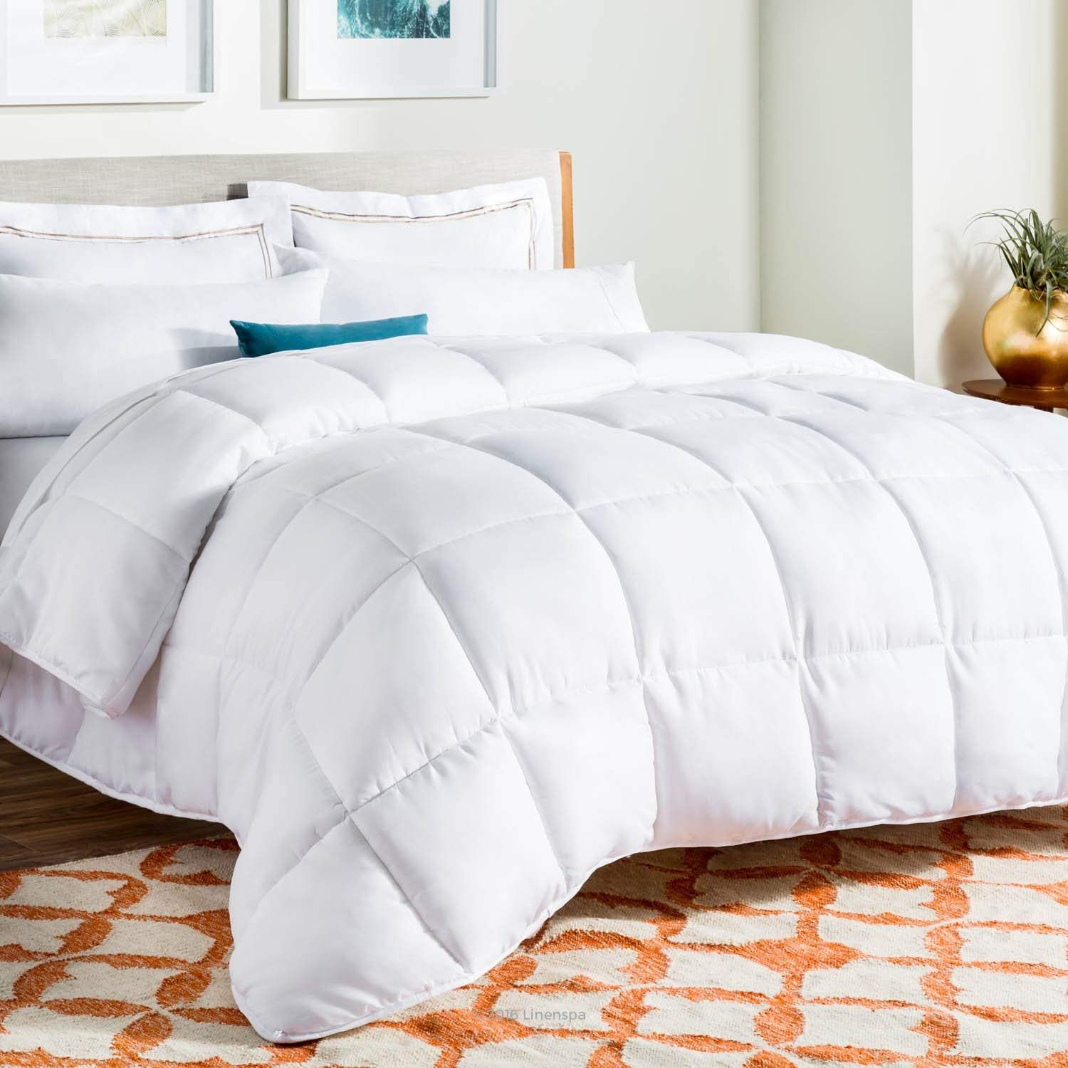 Amazon Com Linenspa All Season Down Alternative Quilted Comforter