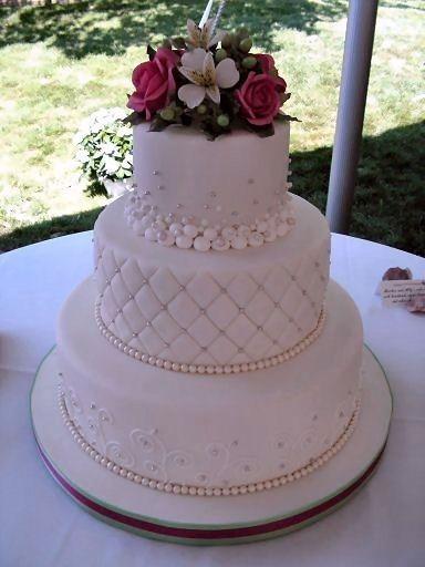 gâteau de mariage 3 étages, textures variées.