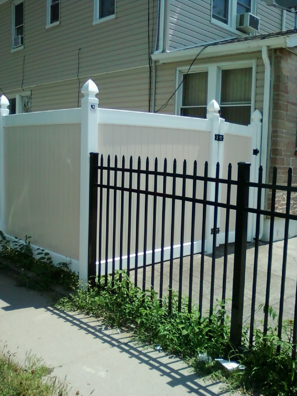 Best 5′ Commercial Weight Aluminum Fence And Two Tone 6 400 x 300