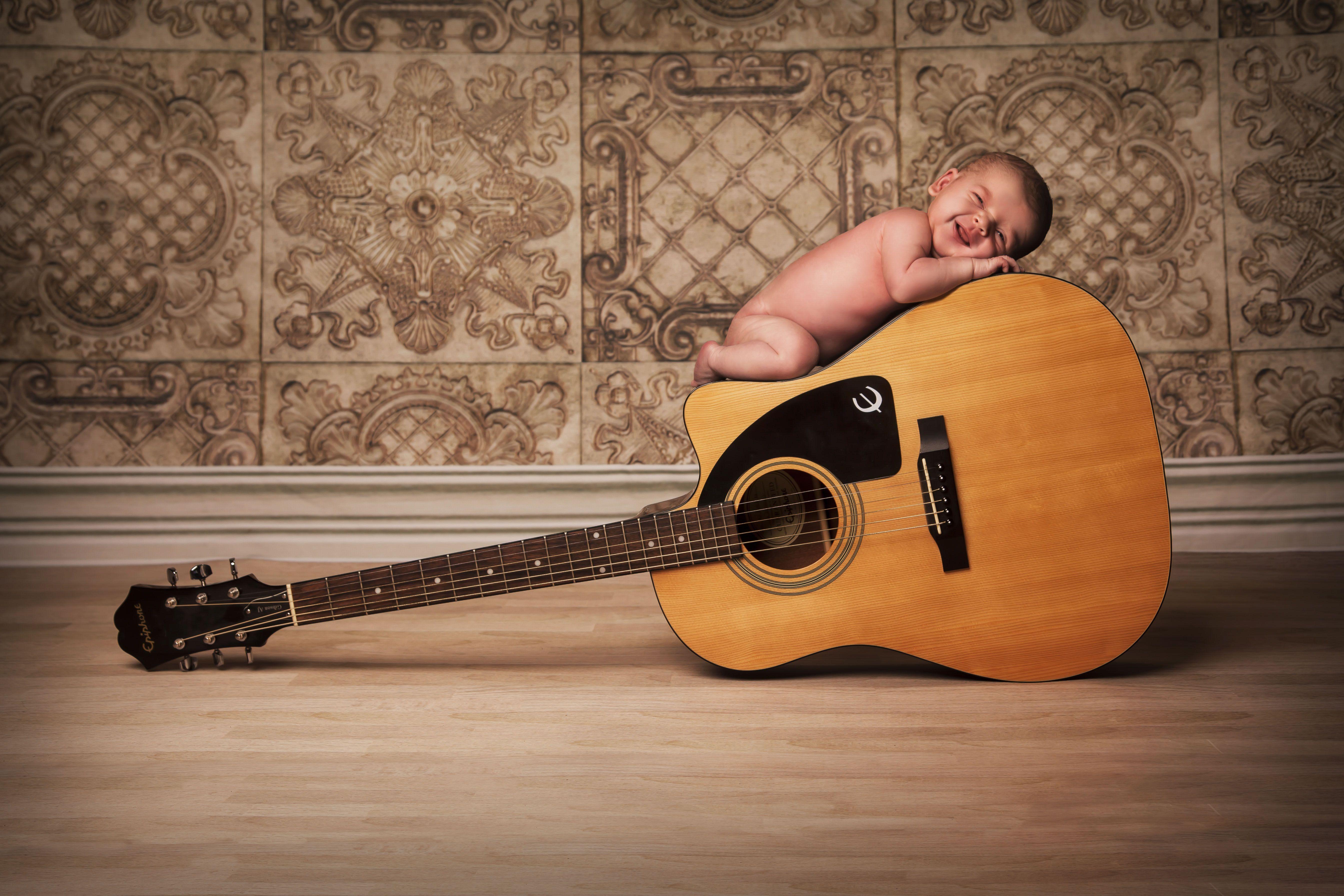 newborn baby acoustic guitar music cute posing photography vintage cute babies pinterest. Black Bedroom Furniture Sets. Home Design Ideas