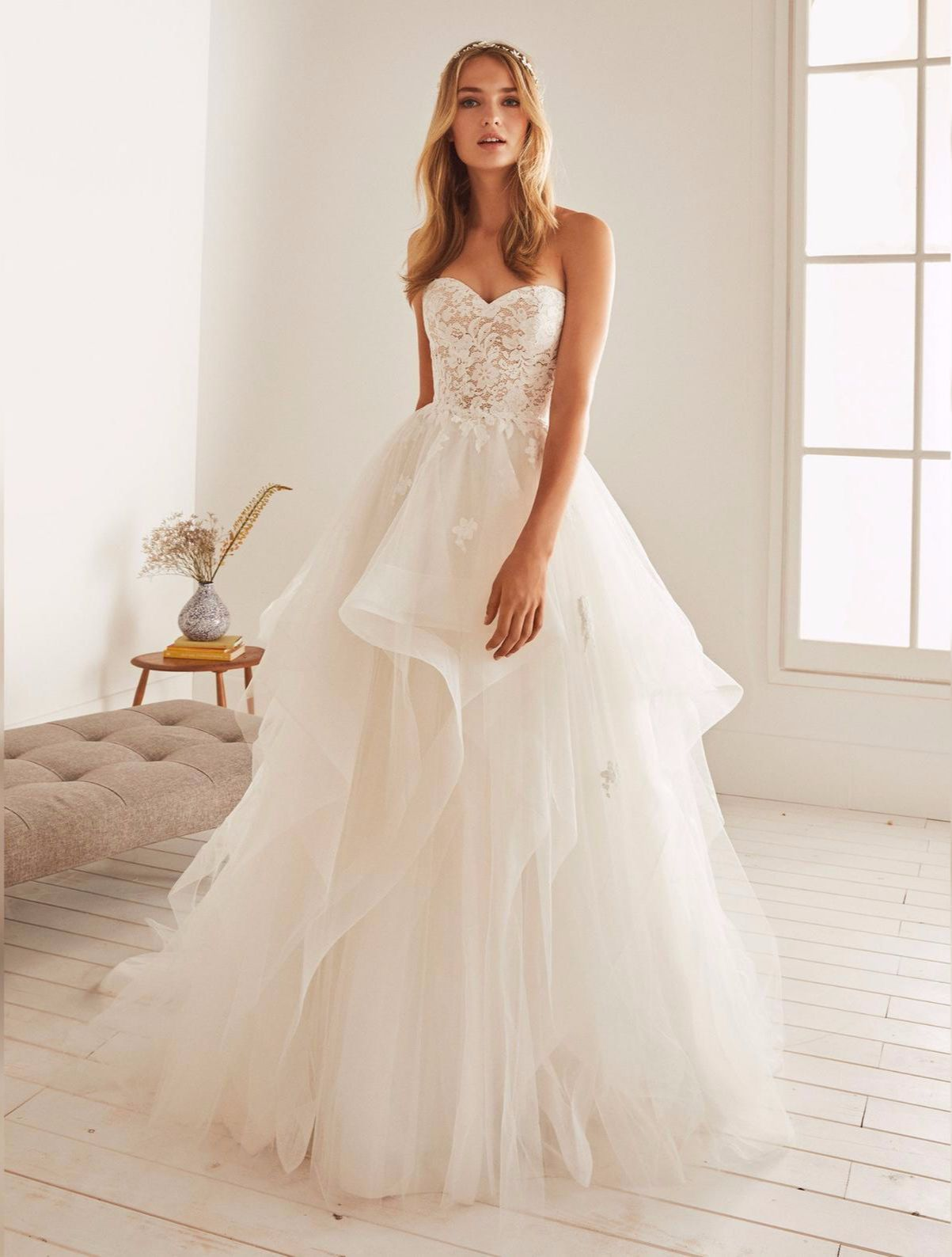 15 Wedding Dresses Under 1000 Dollars In 2020 Ball Gown Wedding Dress Tulle Wedding Dress Wedding Dresses