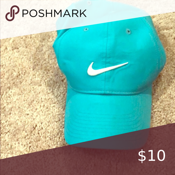 Nike Dri Fit Hat Light Blue Dri Fit Nike Hat Perfect For The Gym Nike Accessories Hats Fitted Hats Nike Dri Fit Nike Hat