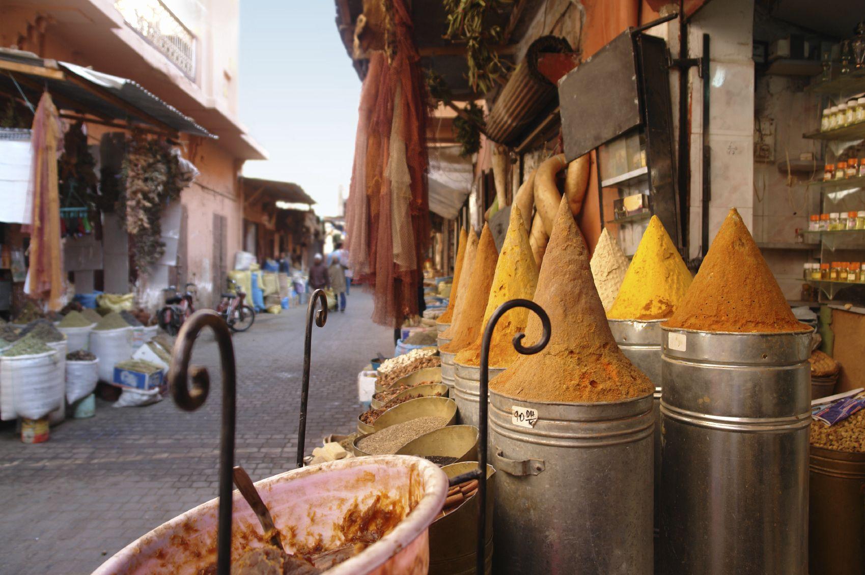 Souk Bazar Tienda Arabe Mercado Presentación productos Especies Marrakesch