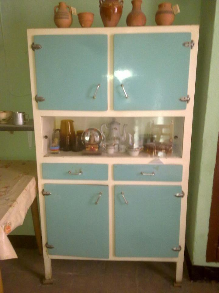 As estaba la alacena antes de ser restaurada jueguetes - Muebles de cocina retro ...