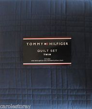 TOMMY HILFIGER  Solid Navy  Blue TWIN QUILT & SHAM SET Free ... : solid twin quilt - Adamdwight.com