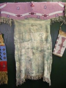 Great early 1900 full beaded sioux dress ebay find of for Vetements artisanat indien