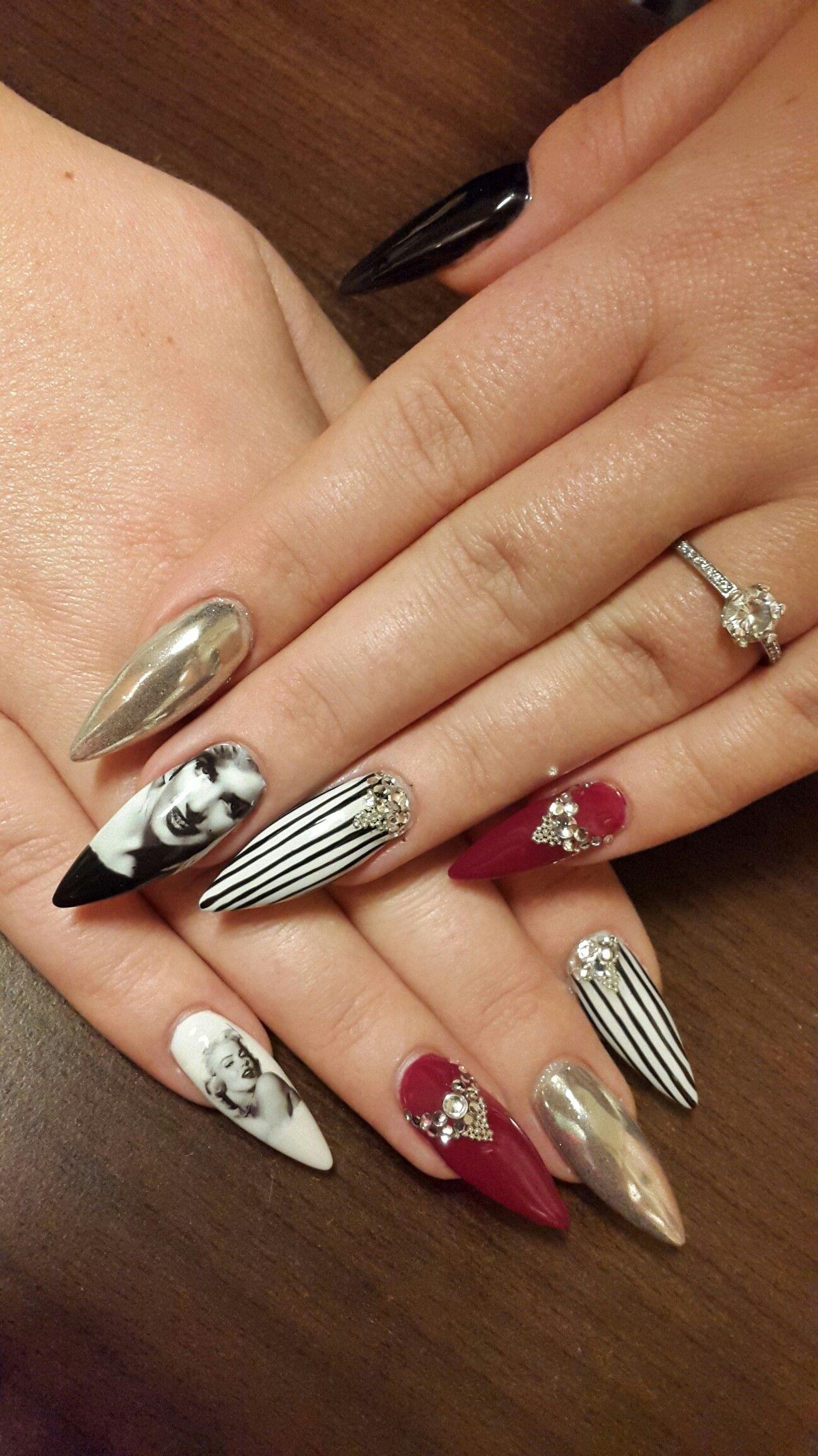 Black and white Marilyn Monroe nail | köröm | Pinterest
