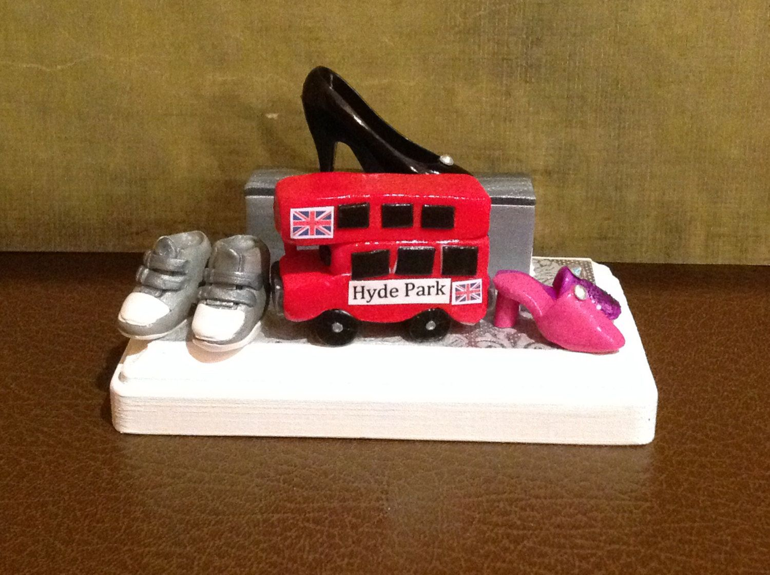 Polymer+clay+business+card+holder,Double+decker+bus,shoes,Kuwaiti+ ...