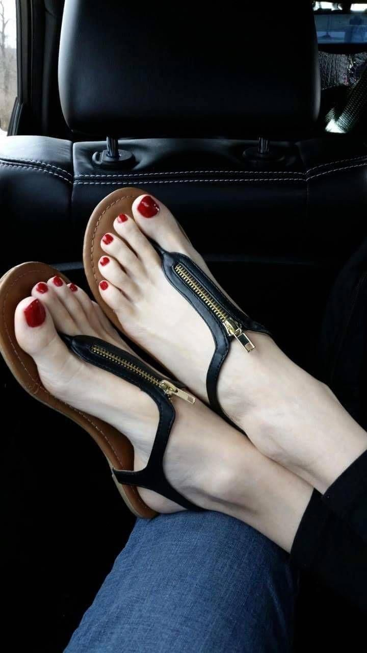 female-sexy-feet