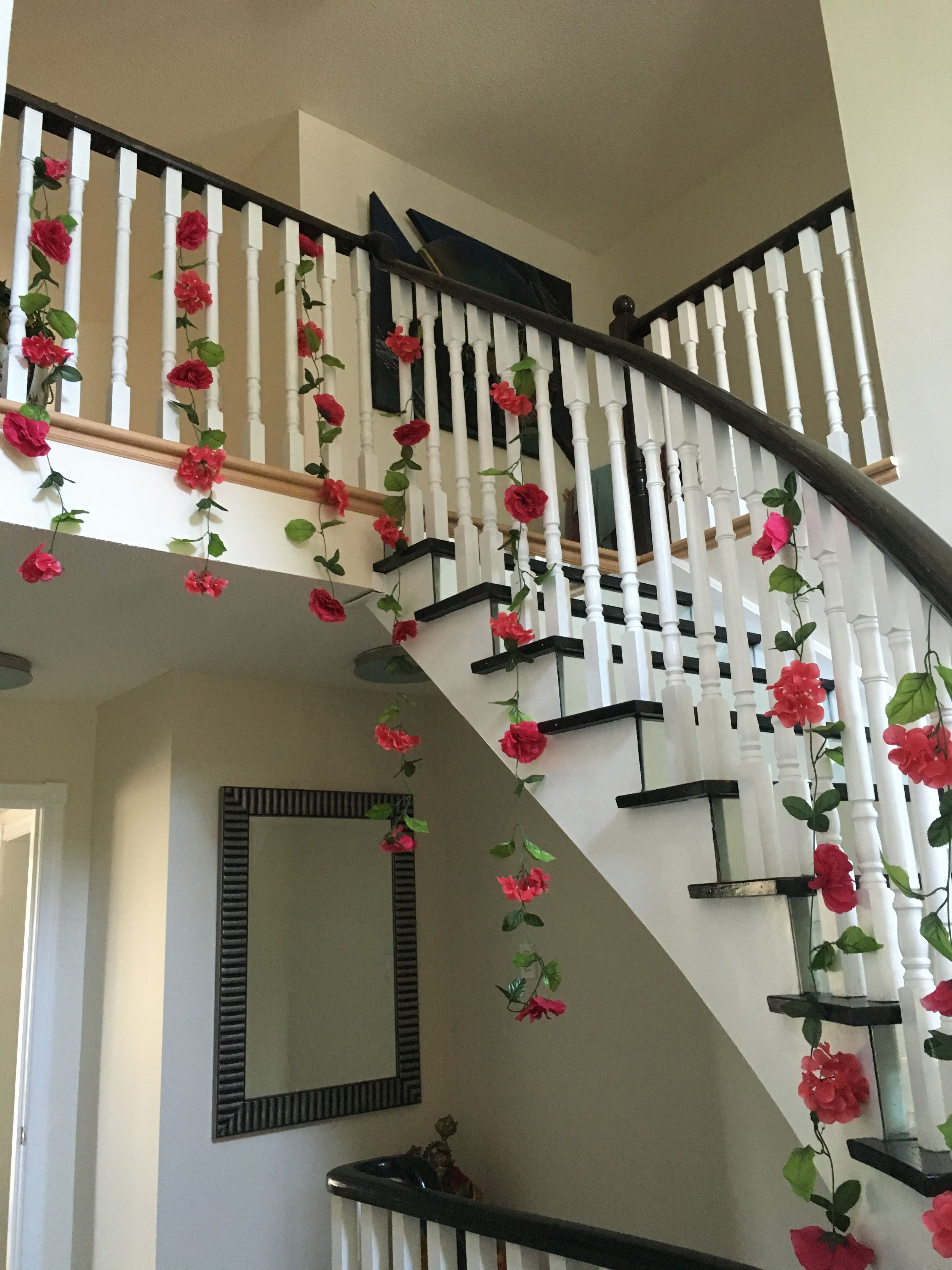 Chic, floral & easy home wedding decor - garlands from ...