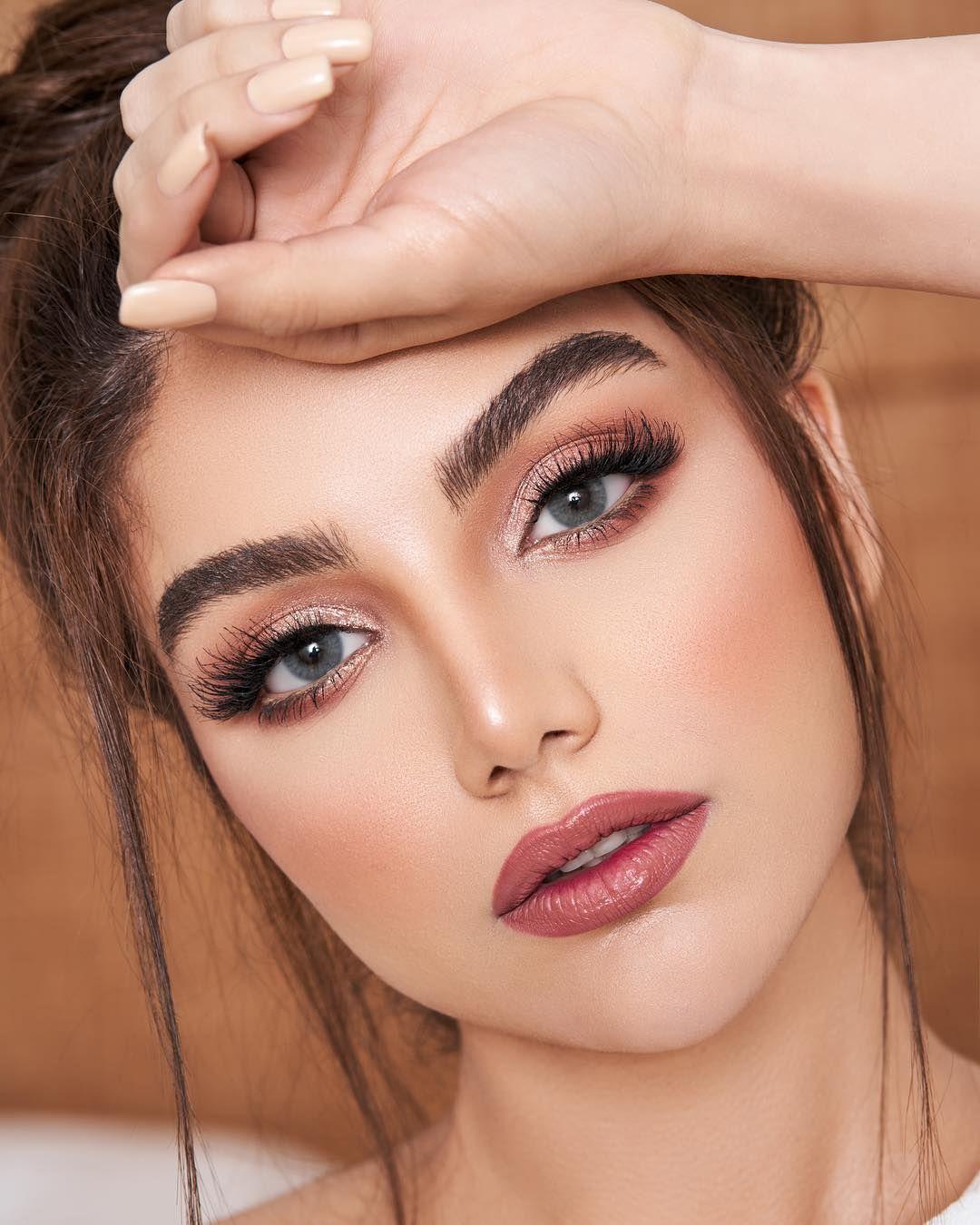 Image May Contain 1 Person Closeup Black Dress Makeup Formal Makeup Smooth Hair [ 1350 x 1080 Pixel ]