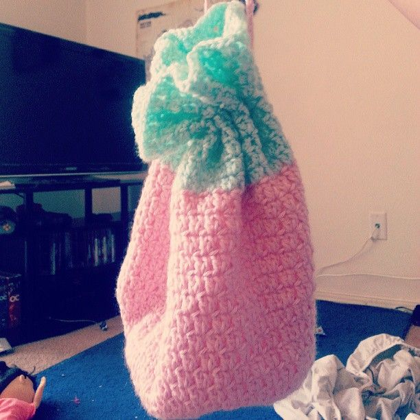 Another lil tote bag I made :) #crochet #summer #totebag #pastels #madebyme