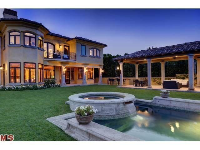 Kim Kardashian And Kanye West To List Hidden Hills Mansion For More Than 20m American Luxury Celebrity Houses Bel Air Mansion Mansions