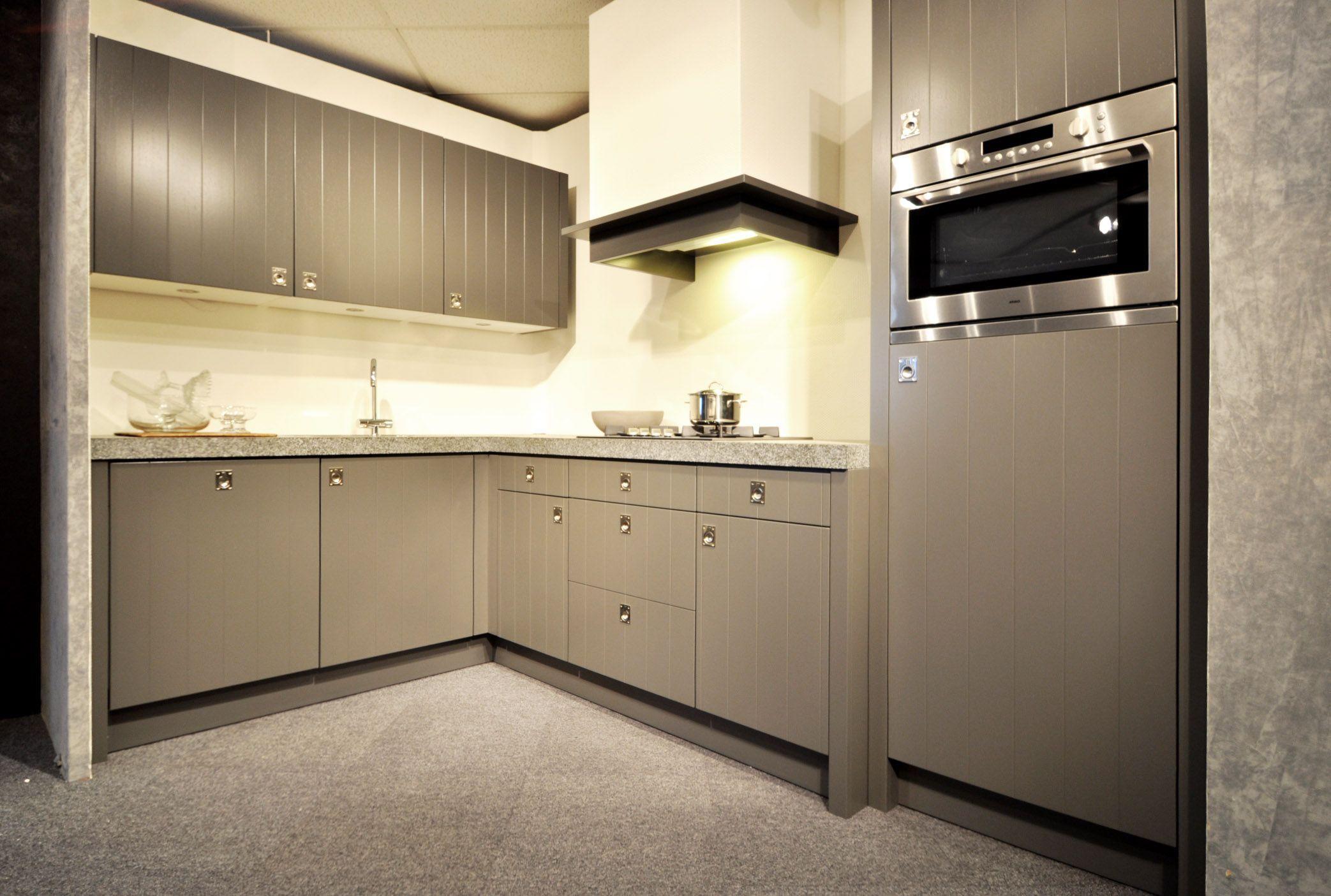Landelijk Hoek Keuken : Keller hoekkeuken landelijk cornwal grijs de keuken