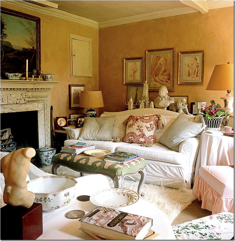 Southern Charm Living Room: Nicky Haslam ~ Living Room