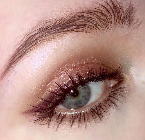34 idées de maquillages pour sublimer les yeux bleus