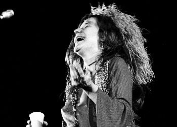 rare janis joplin and her brother photos | Janis Joplin at the Summer Festival for Peace, August 6, 1970.