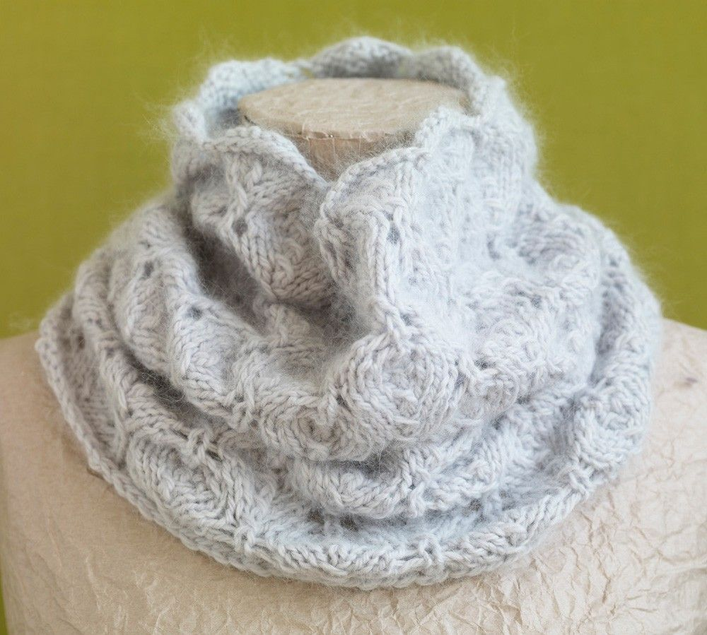 Pale Gray Lace Cowl Pattern (Knit) | knitted cowls | Pinterest ...