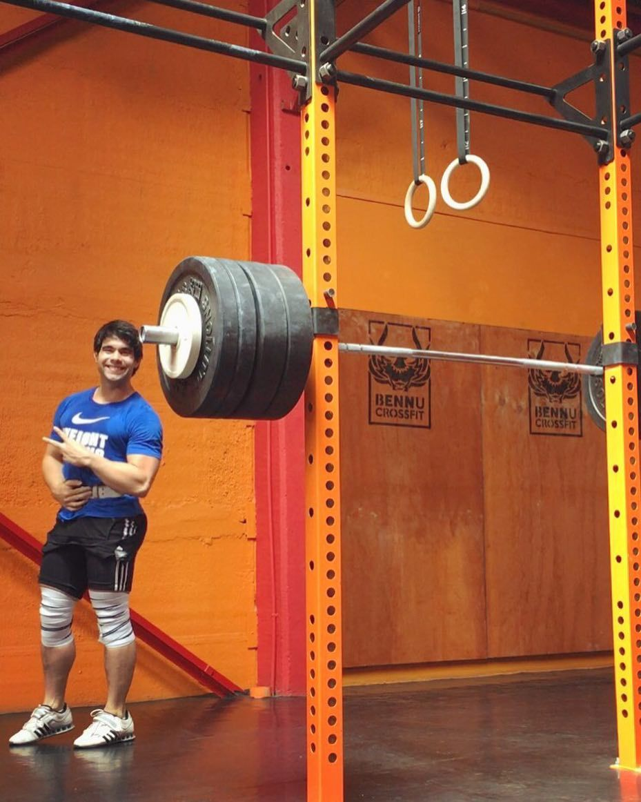 Comenzando otra semana  #weightlifting #focus #stepbystep #smile #happy #great #nice #me #boy #Teamchile #bennucrossfit #crossfit #fit #fitness #gym #power #lifting #gainpost by bstn77