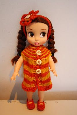 Disney animator doll's knitted outfit