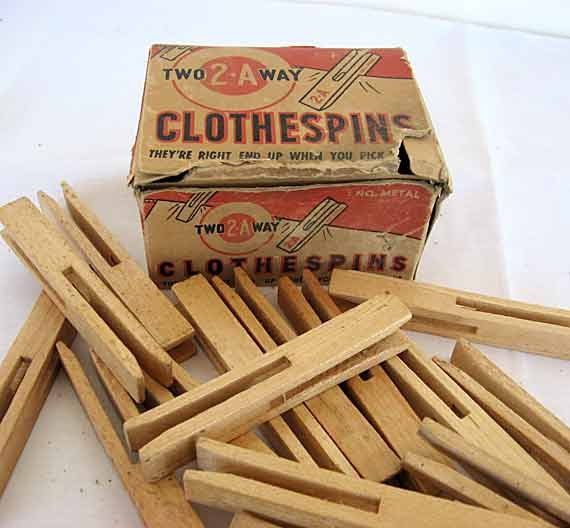 Box of 1940 Vintage 2A Two Way Wooden Clothespins, Unused, Advertising Box, Laundry, Supplies