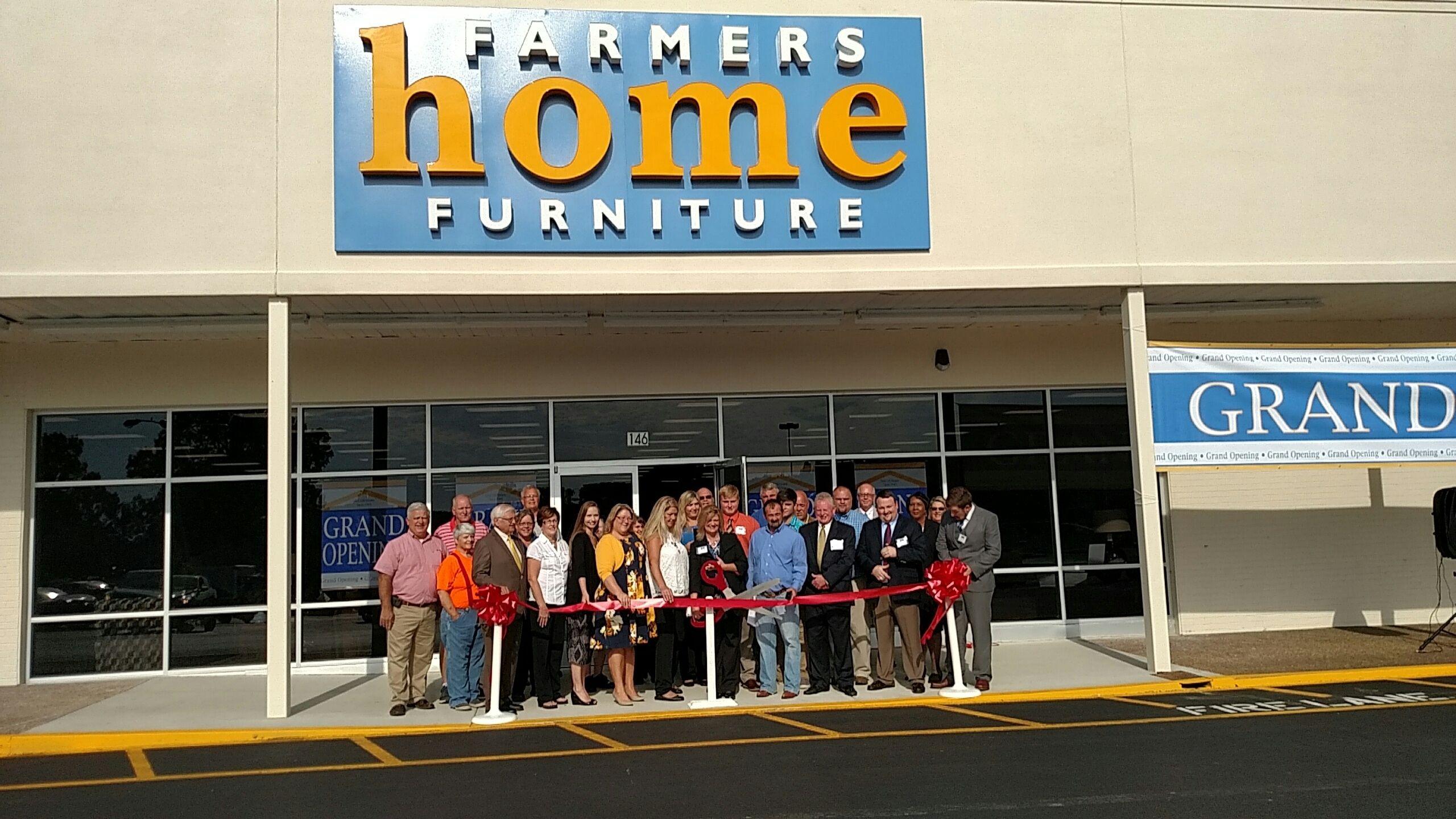 Grand opening of Farmers Home Furniture in lewisburgtn