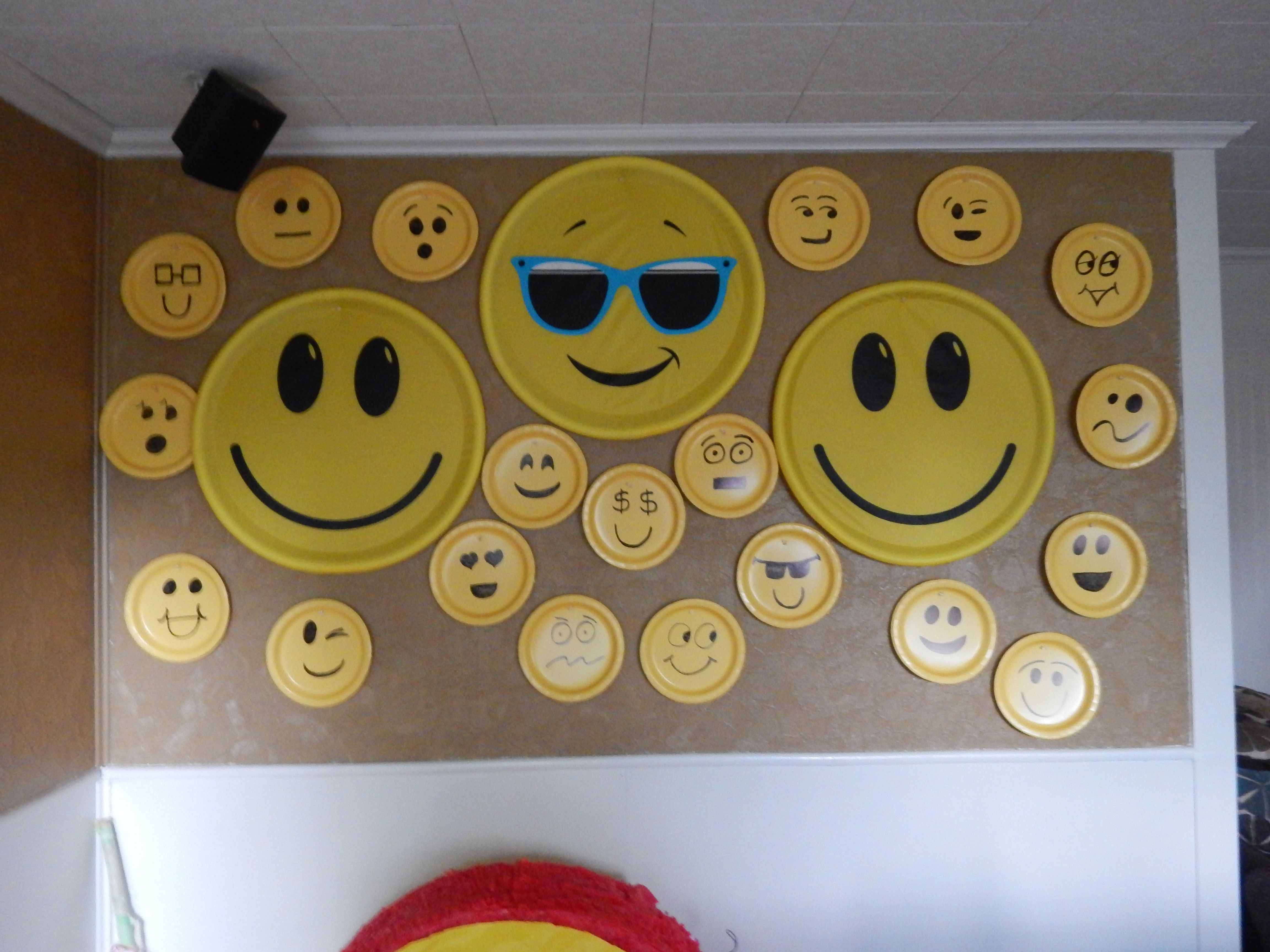 Painted some yellow paper plates & made an Emoji Photo Wall ...