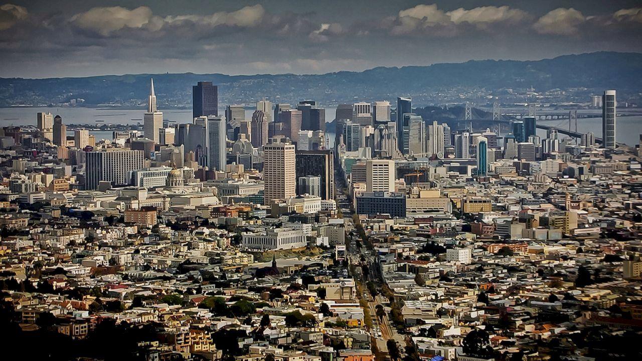 بماذا تشتهر مدينة سان فرانسيسكو City Skyline San Francisco Skyline