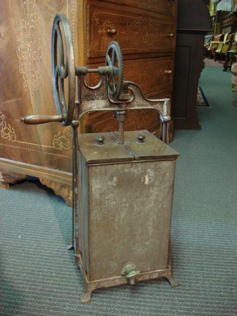 American Antique Dazey Er Churn