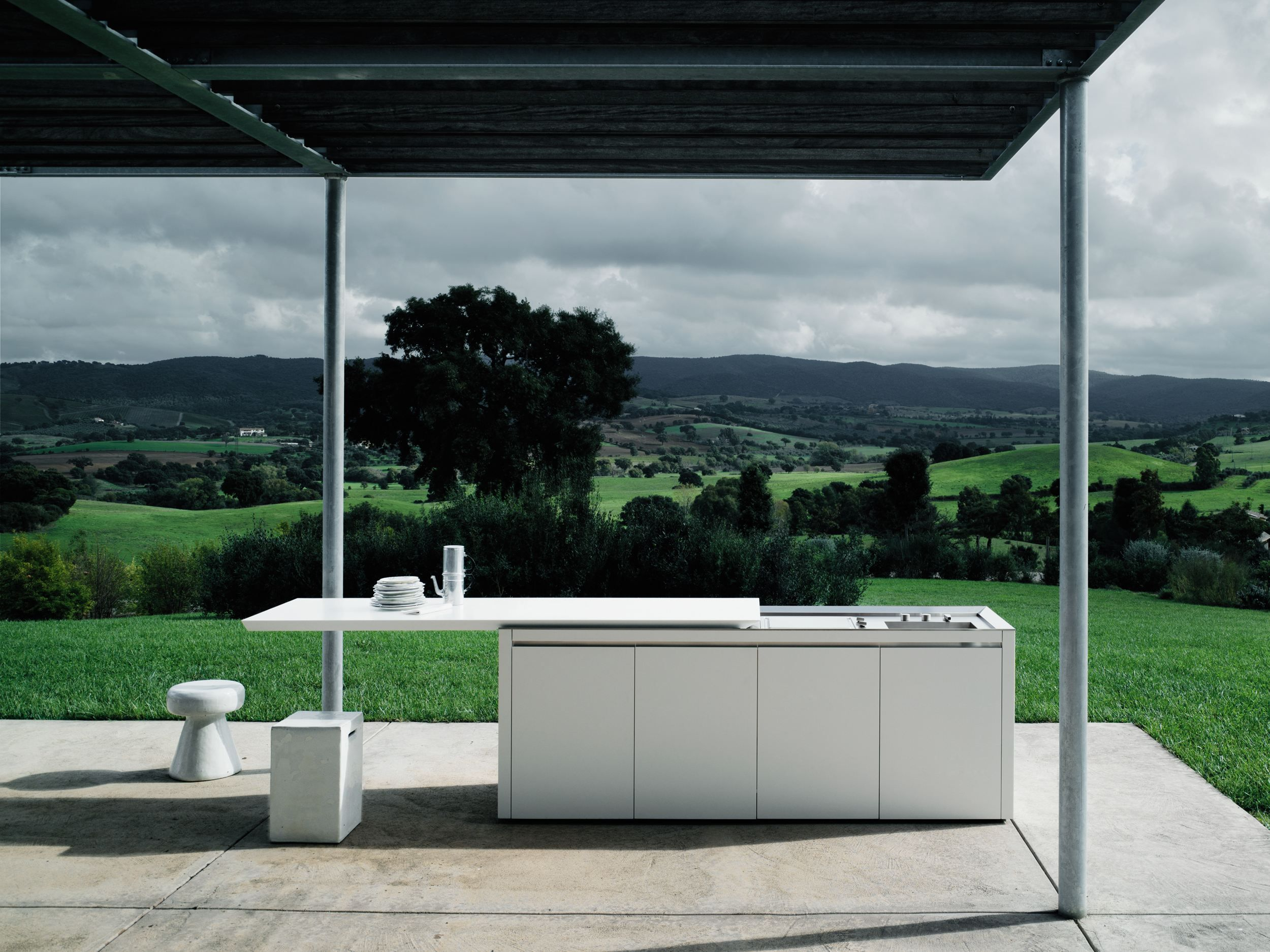 Cucina da esterno in Corian® K2 OUTDOOR by Boffi design Norbert ...