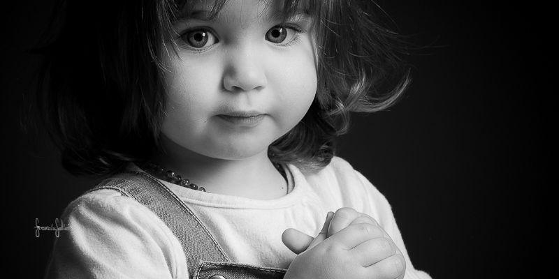 photo d enfant en noir et blanc photos en noir et blanc pinterest q photo art pictures et. Black Bedroom Furniture Sets. Home Design Ideas