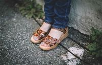 Famolare Get There Honeybuckle Sandal in Coral