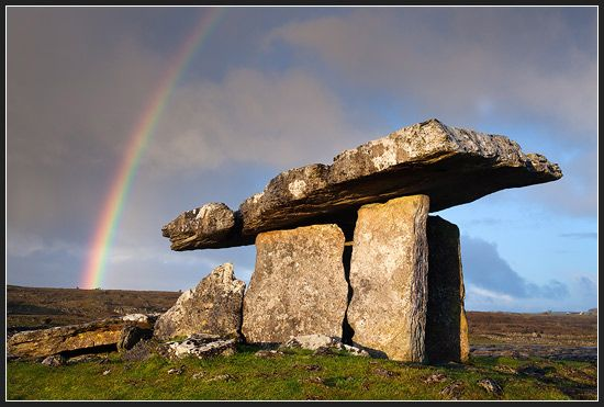 Poulnabrone Dolmen, The Burren, Ireland   <3