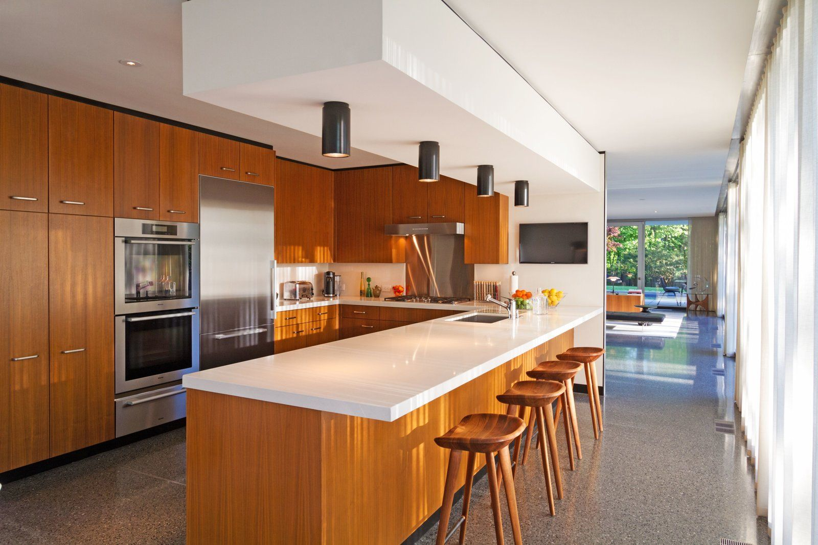 A Renovated Midcentury Glass And Steel House In New York Asks 2m Mid Century House Steel House Modern Kitchen Ovens