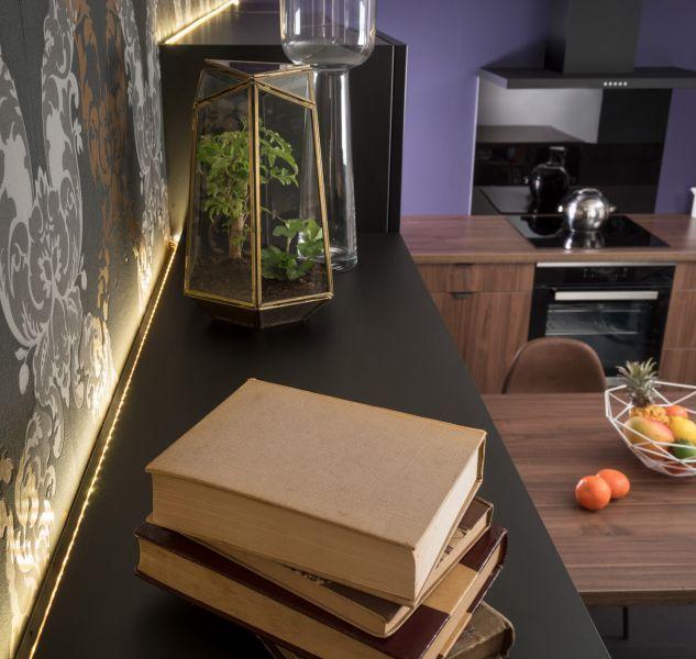 Mise en valeur des meubles grâce à l\u0027éclairage et au ruban LED